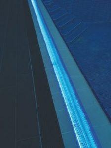 Переливная решетка для установки LED подсветки в бассейне Мodel -Transparent Squared