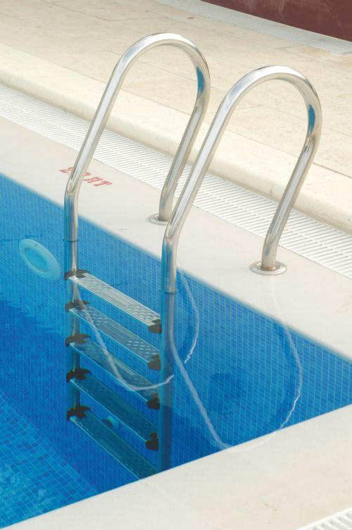 Лестница для бассейна комбинированная